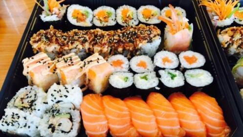 Bandejas de sushi variado de 15 20 o 29 piezas por 9 9 oferta con descuento 40 ofertas - Bandejas para sushi ...