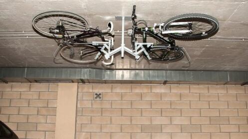 Almacena Tu Bici Ocupando El Minimo Espacio Por 99 Oferta Con - Colgar-bici-techo