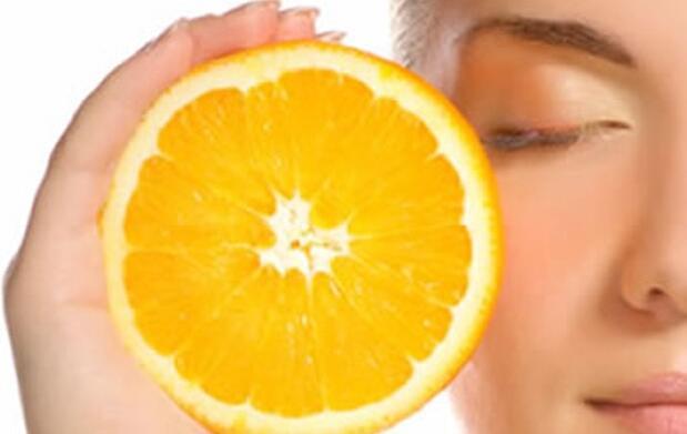Cocktail de vitaminas C y B5 para tu piel