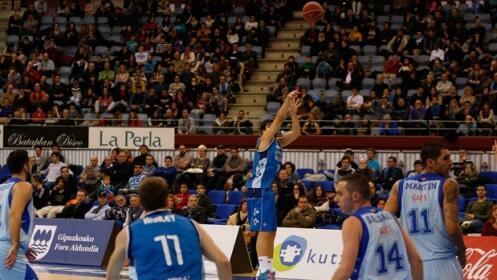 Vive el baloncesto gbc unicaja de m laga por 5 for Unicaja oficinas malaga