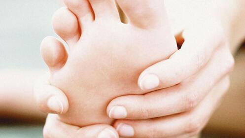 Recupera el bienestar de tus pies con este tratamiento completo de quiropodia