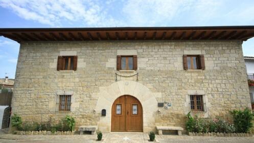 Escapadas a Navarra para  2 personas en Casa de la Cadena