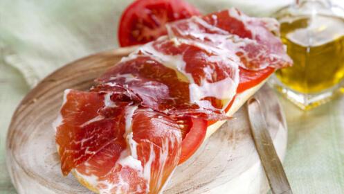Exquisito menú en pleno casco histórico de Hondarribia