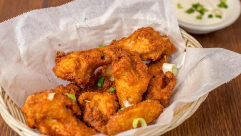 Ven a disfrutar de un menú para 2 personas con lasaña o pollo crujiente