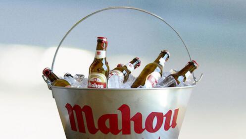 Cubo de cervezas Mahou 5* + ración de bravas + ración de alitas de pollo