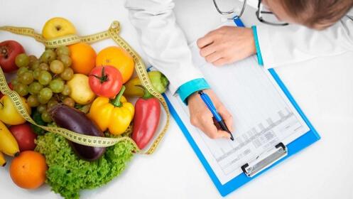 Consulta de nutrición + plan dietético nutricional en Centro Médico San Martín
