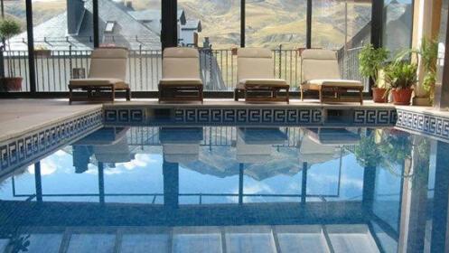 2, 3 o 4 noches en Formigal en el Hotel YOY Villa de Sallent 3* o 4*  con desayuno