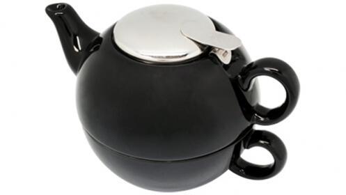 Tetera con taza negra